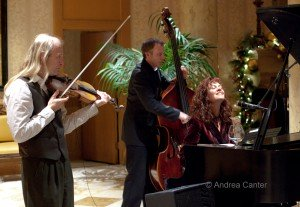 JoAnn Funk and trio in the Lobby Bar © Andrea Canter