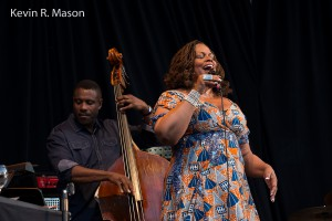 Dianne Reeves with Reginald Veal © Kevin R. Mason